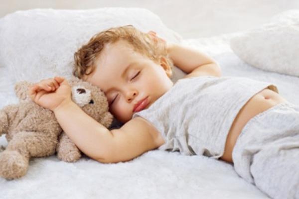 M_Id_401088_Kids_Sleep[1]