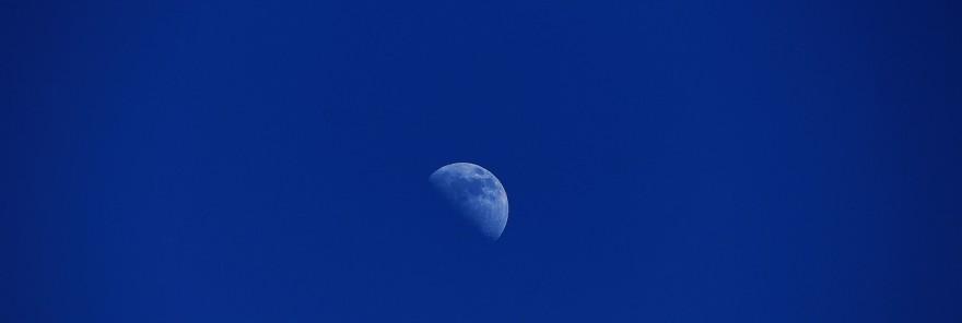 moon-769918_1280